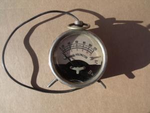 Radio-Voltmeter12/120V